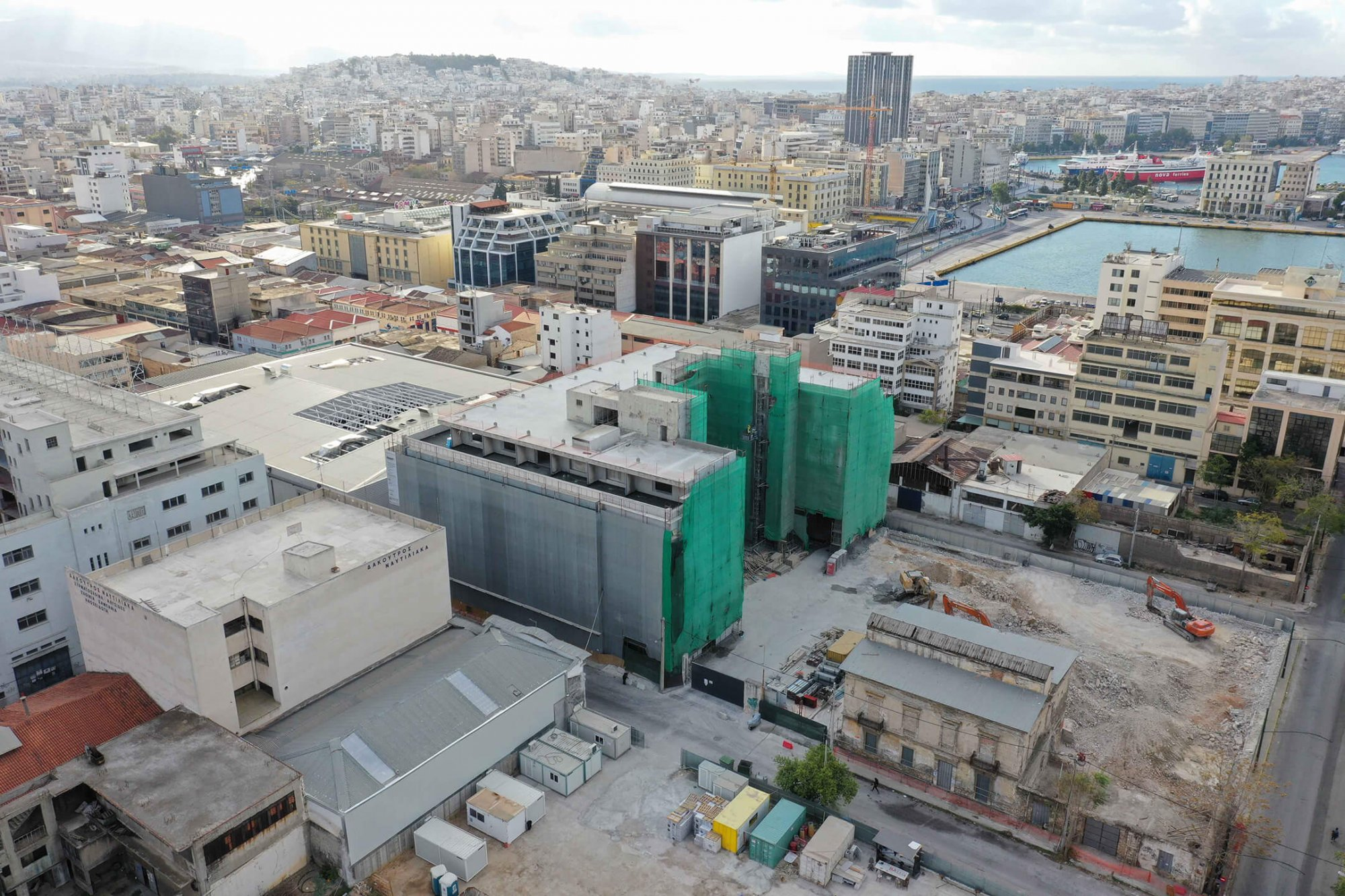 PIRAEUS PORT PLAZA